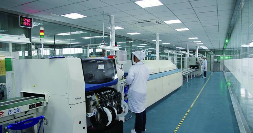 广东某真空设备制造厂数显压力表定制案例